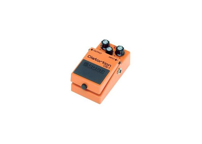 BOSS DS-1 DISTORTION PEDALO